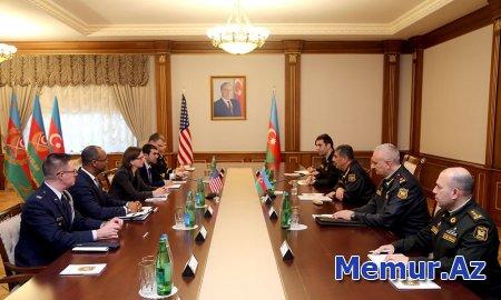 Azərbaycanla ABŞ arasında hərbi-texniki əməkdaşlığın genişləndirilməsi məsələləri müzakirə edilib