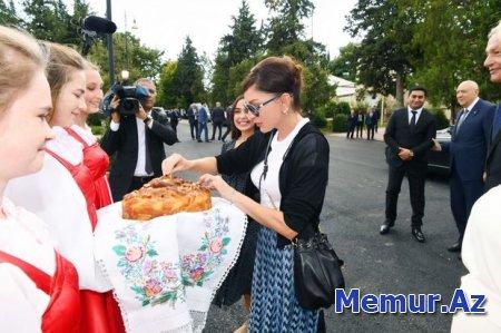 İsmayıllı rayonunun İvanovka kəndindəki Mədəniyyət Sarayı əsaslı təmirdən sonra istifadəyə verilib