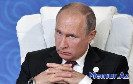 Putin 10 generalı qovub, 16 nəfərə general rütbəsi verdi
