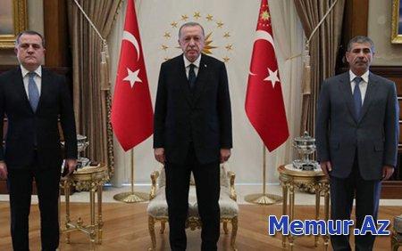 Bir fotonun göndərdiyi diplomatik mesaj
