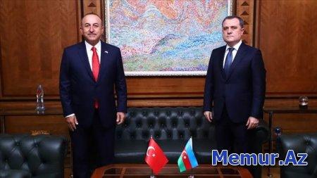 Ceyhun Bayramov Mevlüt Çavuşoğlu ilə Ermənistanın dinc sakinləri hədəfə almasını müzakirə edib - YENİLƏNİB