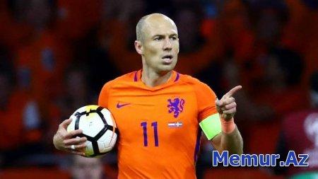 Robben Niderland yığmasına qayıda bilər
